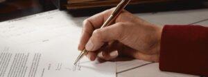Cómo escribir una carta de contrato de servicios de buena manitas