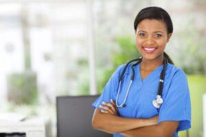 Cómo conseguir un trabajo como enfermera titulada