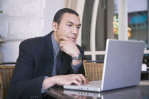 Cómo proteger la propiedad intelectual en línea